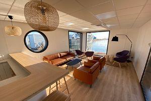 2020- IGY Sete Marina South of France Crew Lounge