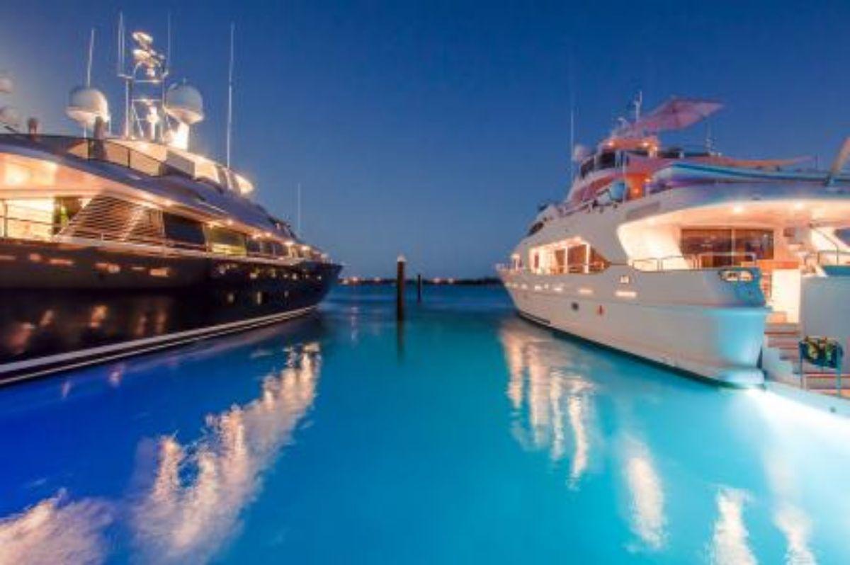 Blue-Haven-Marina-Megayacht-Sterns-1.8MB