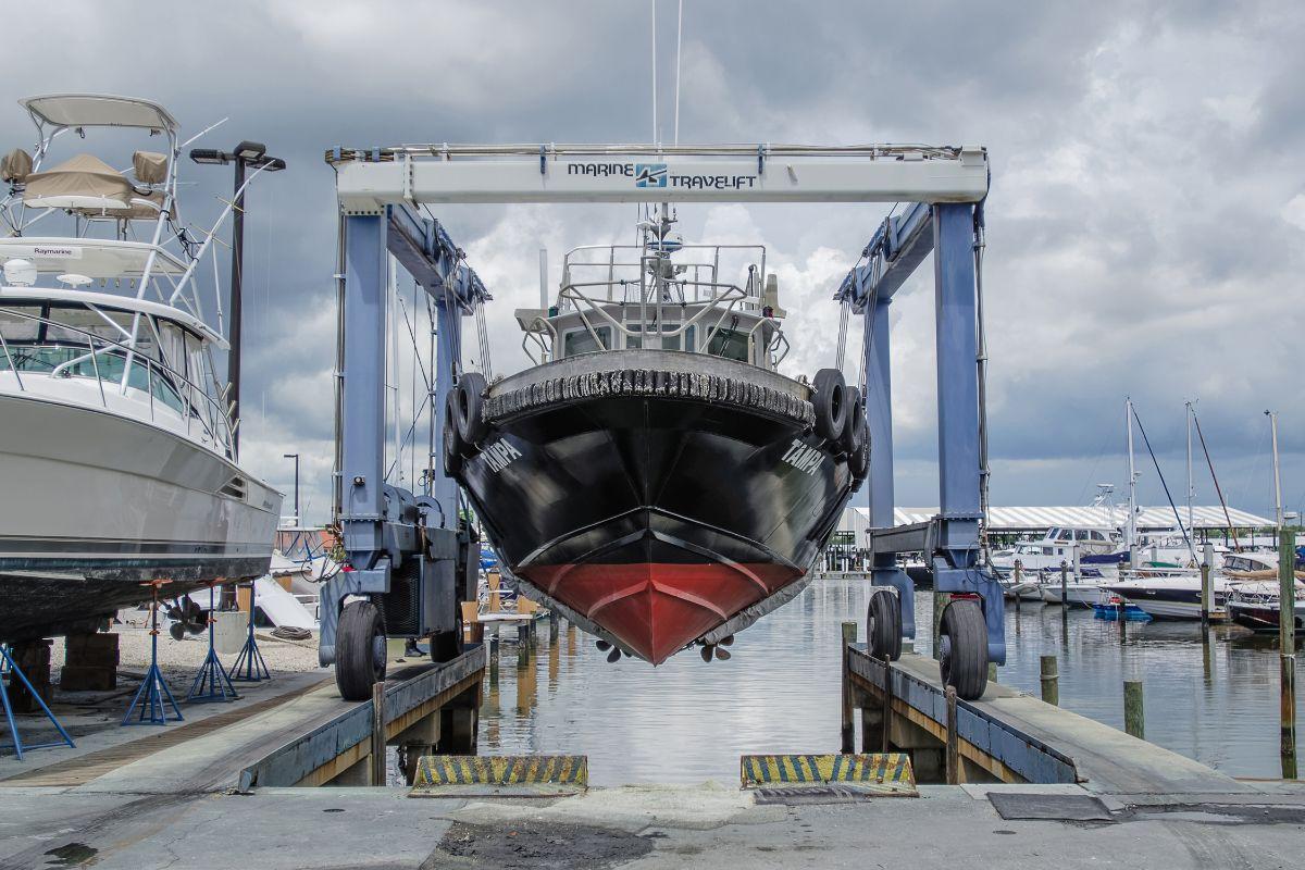 Maximo marina st petersburg marina boatyard vessel maintence boat repair
