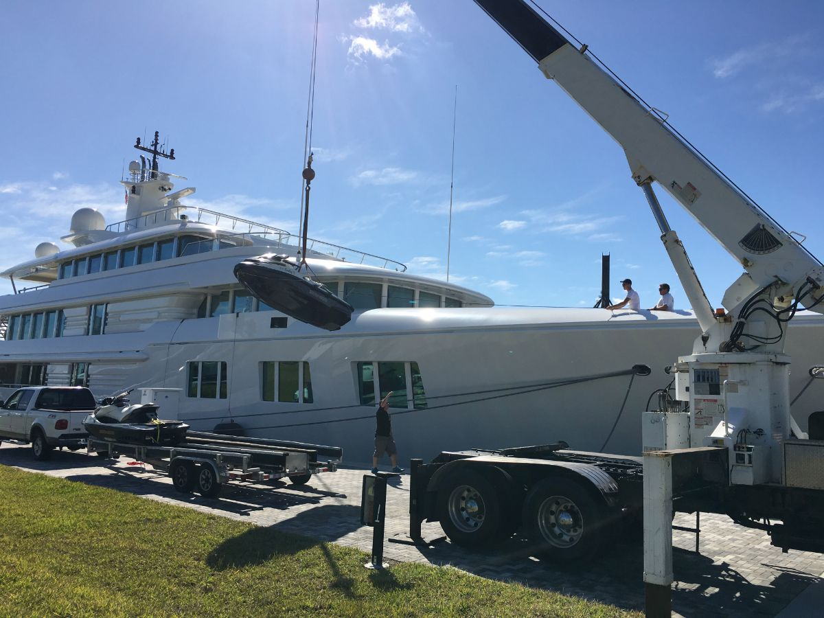One Island Park - Miami Beach Marina - Crane2