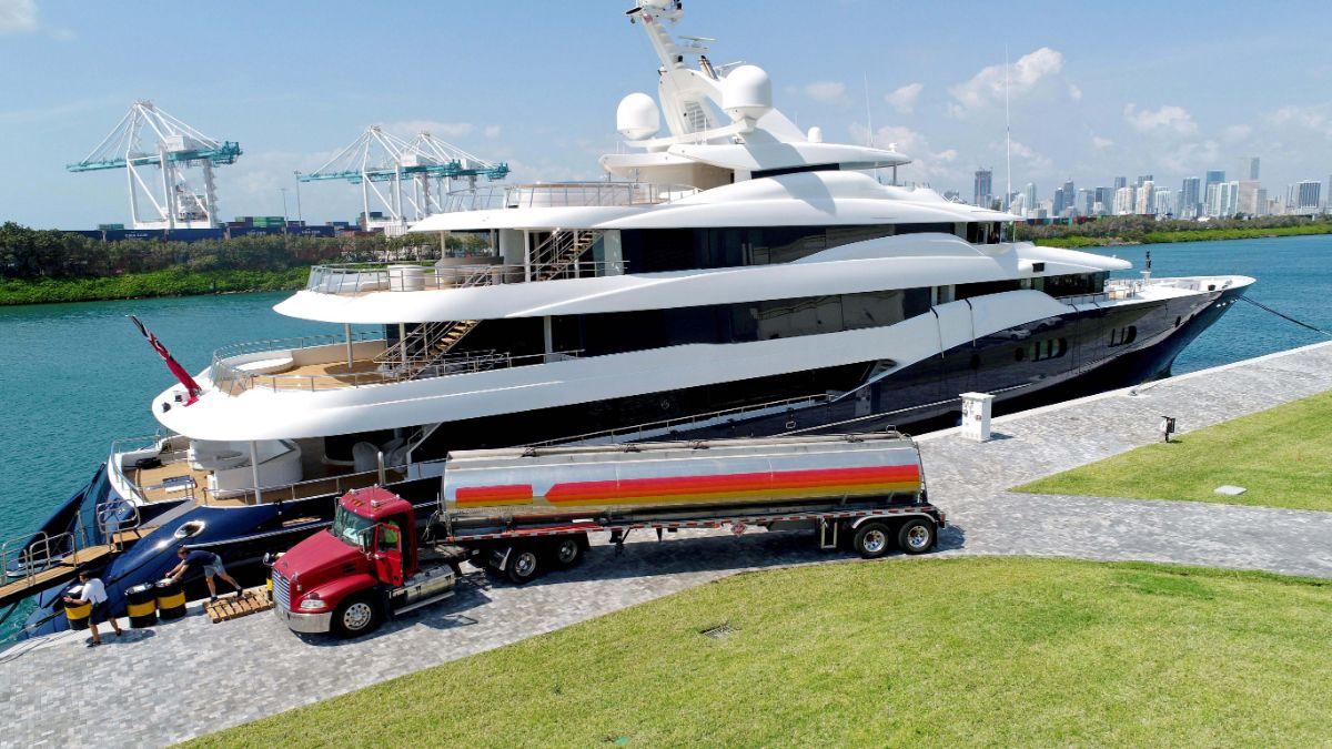 One Island Park - Miami Beach Marina - Fuel Truck
