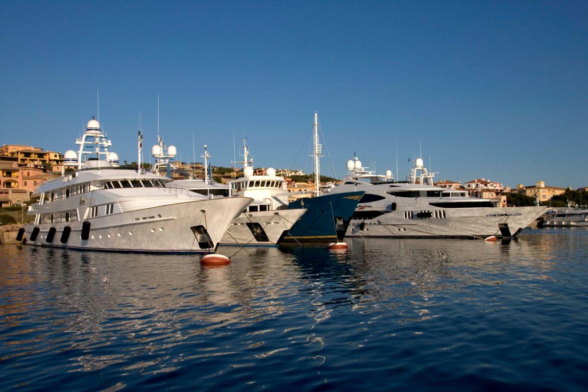 Porto Cervo Marina - Sardinia Italy Mediterranean - Stern In (1) -1.30MB