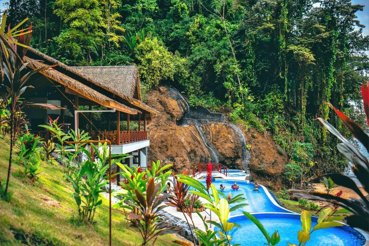 Red Frog Beach Island Marina - Bocas del Toro Panama Marina - Beach Club with pool