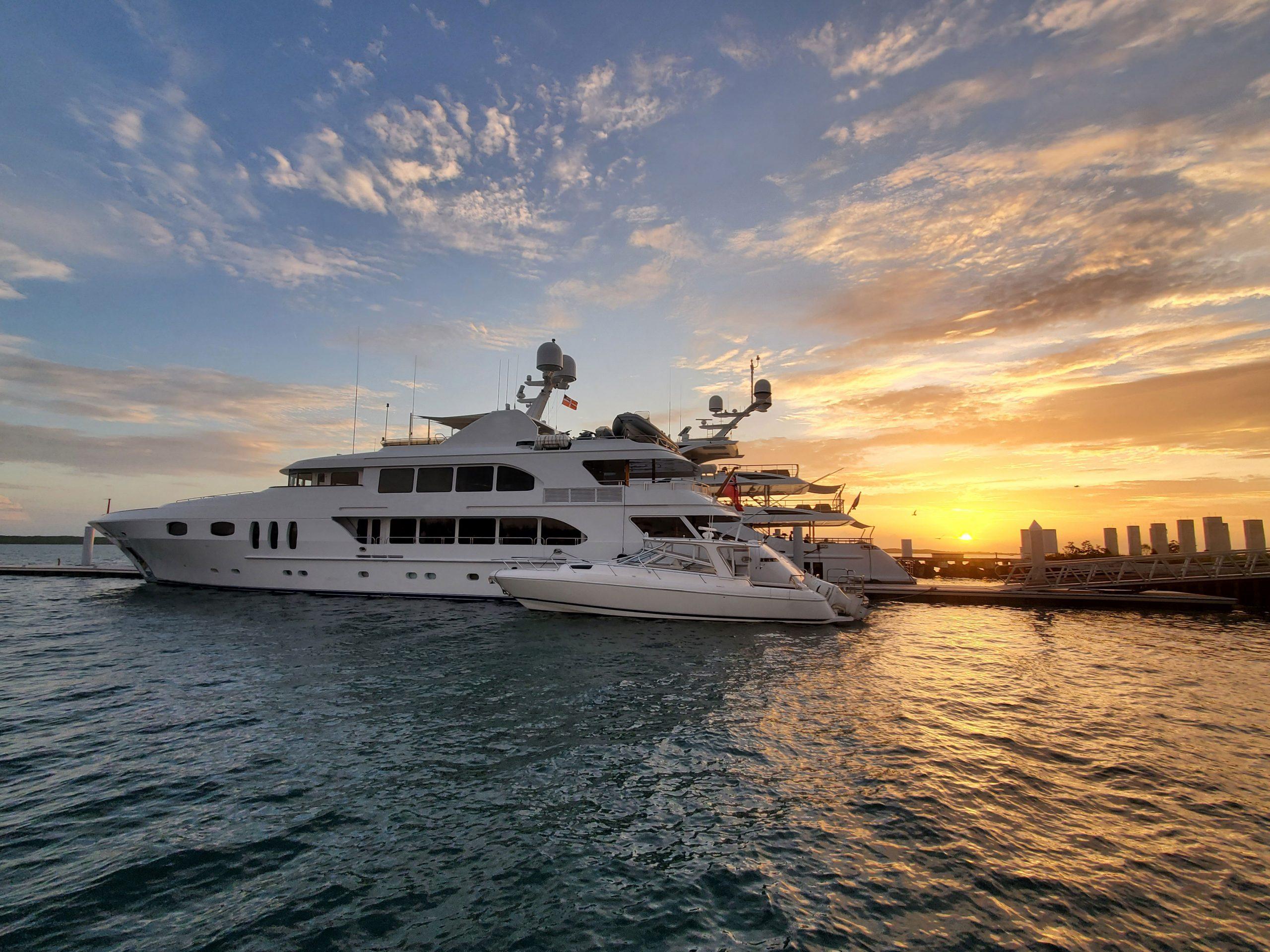 07-2021-Briland-Club-Marina-Sunset-over-boat